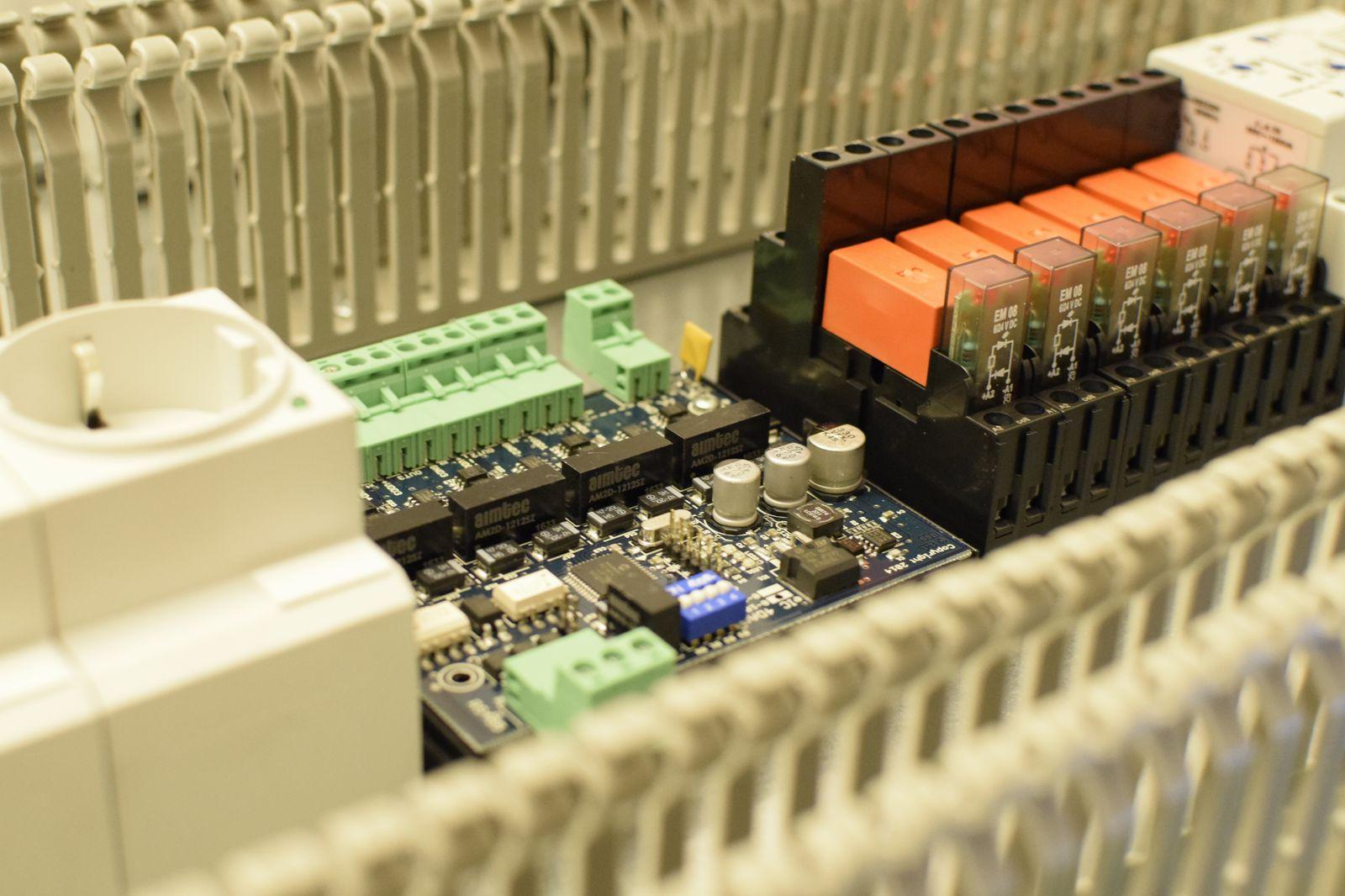 Dehydrator fan control electronic module